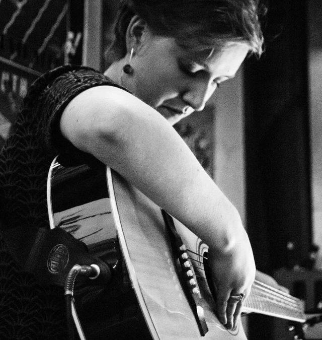 Singer-songwriter Marte: klassiek, folk en een vleugje Regina Spektor